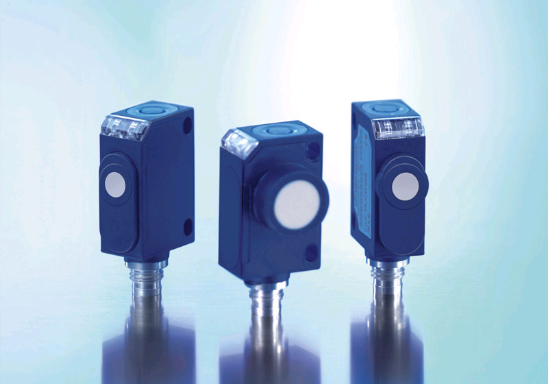 The zws sensors are among the smallest ultrasonic sensors available on the market in colloidal housings with teach-in buttons.