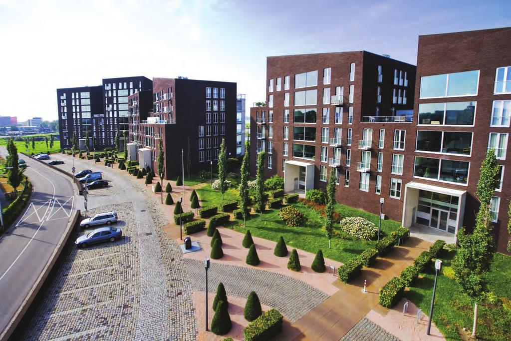 SPECIAL > Landscape Architect_Lodewijk Baljon Pothoofd Apartment Project Architect Jo Crepain (Guy Mertens project architect) Engineering SmitsRinsma Location Pothoofd in Deventer, The Netherlands