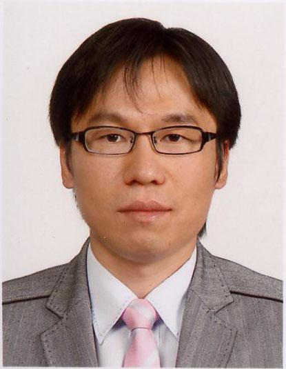 "[11] Kai-Bor Yu, ""Digital beamforming of multiple simultaneous beams for improved target search"", IEEE Radar Conference, May 2009."